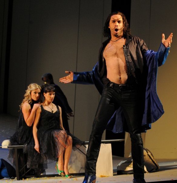 Samuel Dundas as Guglielmo in Cosi fan tutte. Photo: Branco Gaica