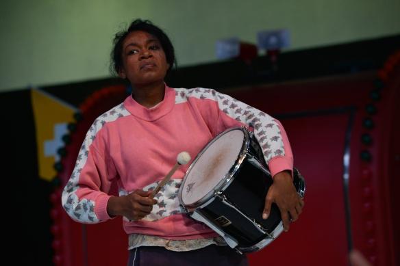 Emele Ugavule as Kattrin. Photo: Heidrun Lohr